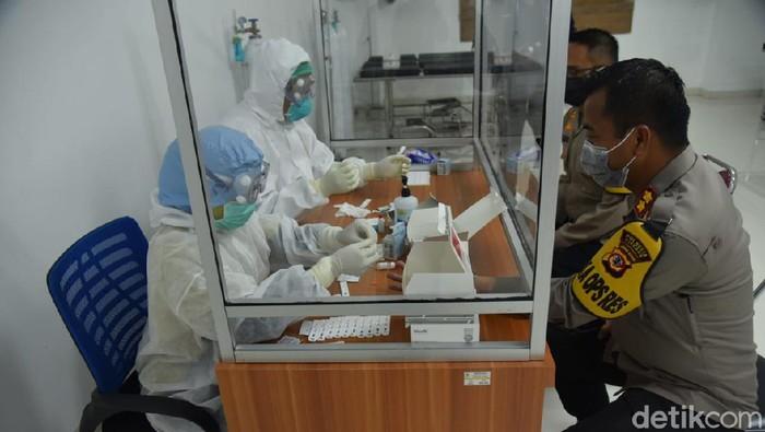 Rapid Test Anggota Polresta Cirebon
