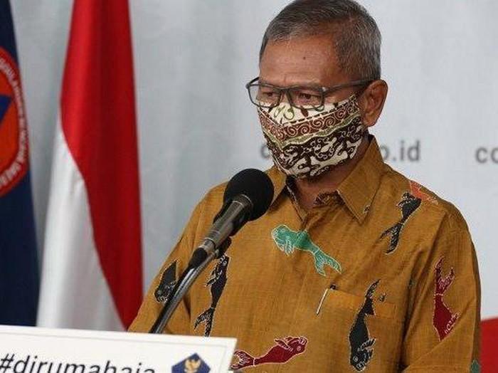 Masker Batik Achmad Yurianto
