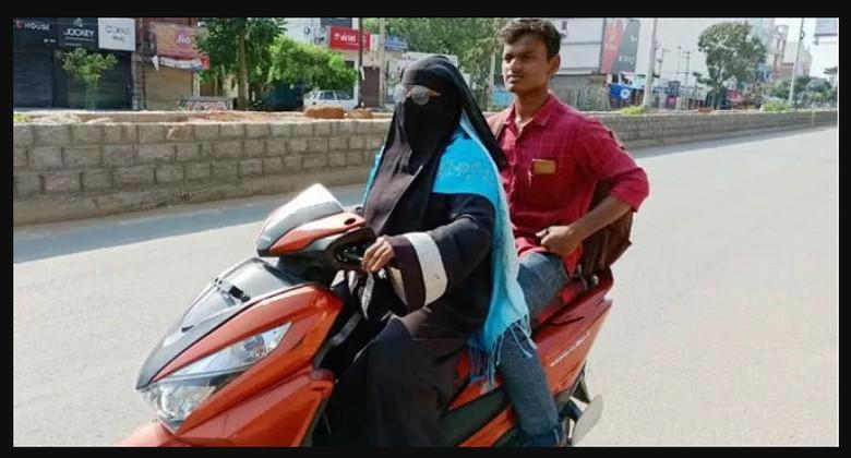 Seorang ibu berkendara motor ribuan km untuk jemput anaknya
