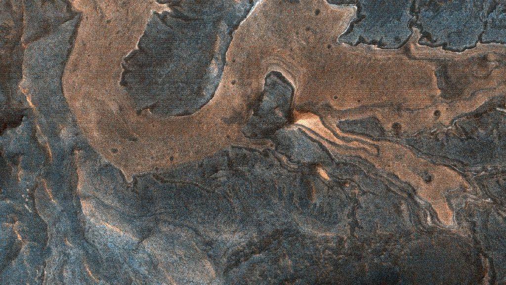 NASA Pamerkan Foto Naga di Permukaan Mars