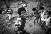 Beginilah gambaran potret kebahagiaan anak-anak yang berhasil diabadikan dalam bingkai kamera pada ajang kontes Foto Agora #Fun2020.