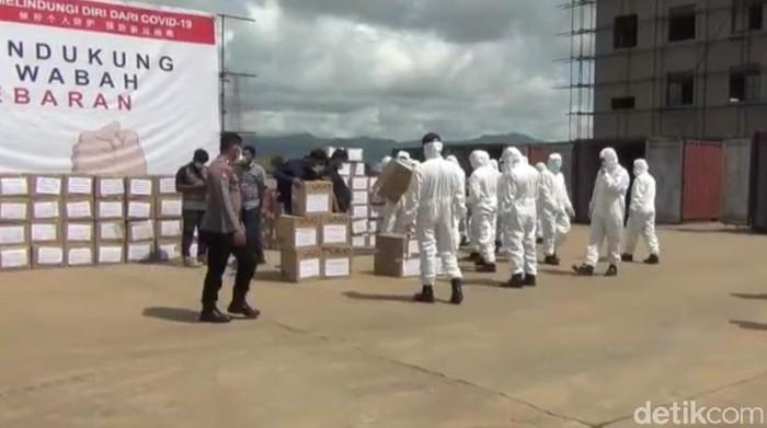 Perusahaan China di Sultra sumbang masker dan APD.