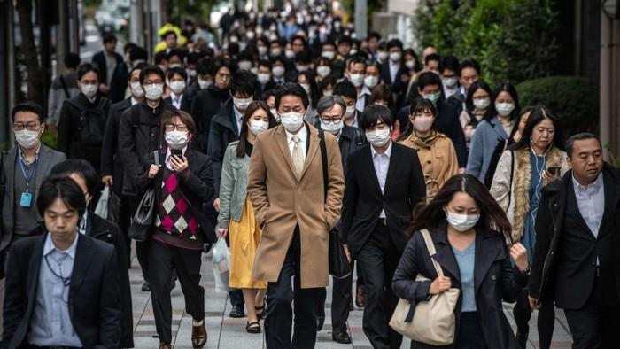 Negara China, Singapura, dan Jepang adalah negara yang berhasil menghadapi wabah COVID-19 dengan baik. Namun mereka harus mengantisipasi adanya gelombang kedua.