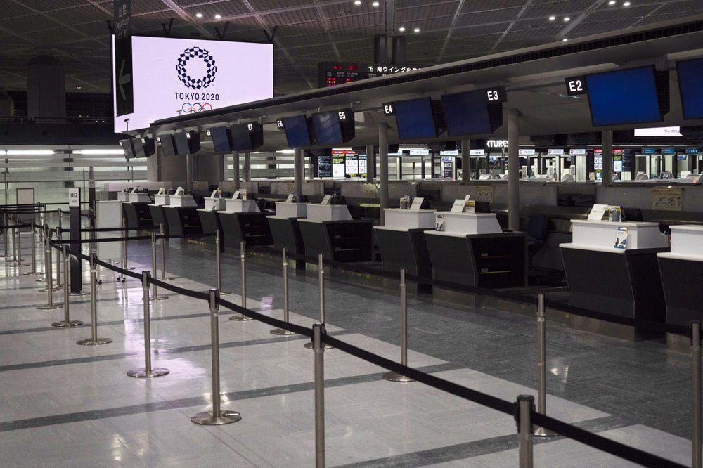 Bandara Narita dan Haneda sepi terkena imbas Corona.
