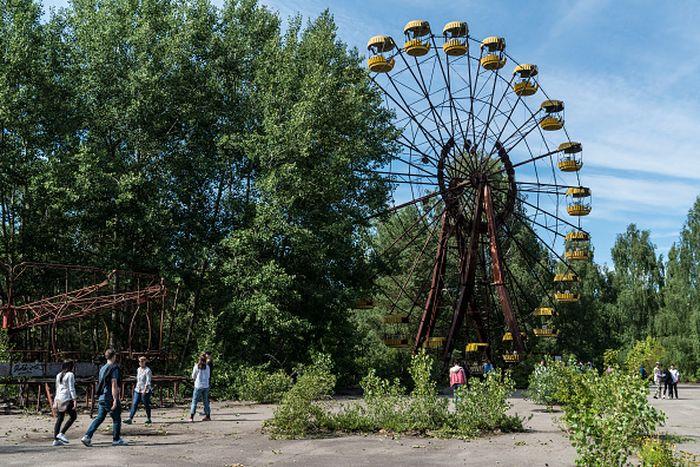 Pripyat, sebuah kota yang berada di sebelah utara Ukraina, jadi salah satu wilayah yang terdampak radiasi nuklir pada bencana Chernobyl pada tahun 1986 silam. Kebocoran reaktor 4 di pembangkit listrik tenaga nuklir tersebut meracuni udara dengan serbuk radioaktif yang mematikan. Tak seorangpun warga yang menduga bahwa kebocoran tersebut merupakan kecelakaan nuklir terburuk sepanjang masa. Brendan Hoffman/Getty Images.