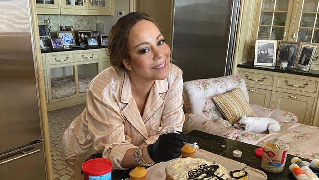 Mariah Carey Bikin Kue Misterius yang Ternyata Berbentuk Wajah Harimau