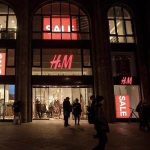 Puluhan Ribu Pegawai H&M Terancam Di-PHK Karena Dampak Virus Corona