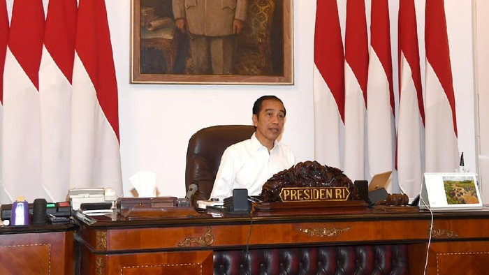 Presiden Jokowi dalam ratas program mitigasi dampak COVID-19 terhadap UMKM