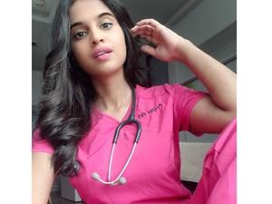 Ratu Kecantikan Malaysia Ini Jadi Dokter Garda Depan Lawan Corona