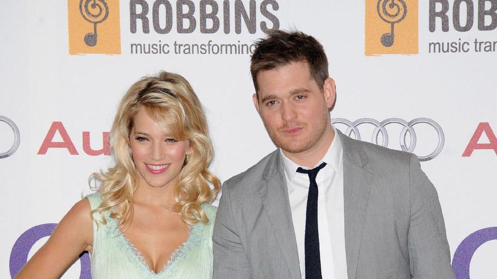 Klarifikasi Istri Soal Dugaan Perlakuan Kasar Michael Buble
