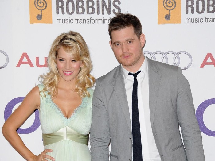 LONDON, ENGLAND - JUNE 29:  Luisana Lopilato and Singer Michael Buble attend the Nordoff Robbins O2 Silver Clef Awards at the London Hilton Hotel on June 29, 2012 in London, England.  (Photo by Stuart Wilson/Getty Images)
