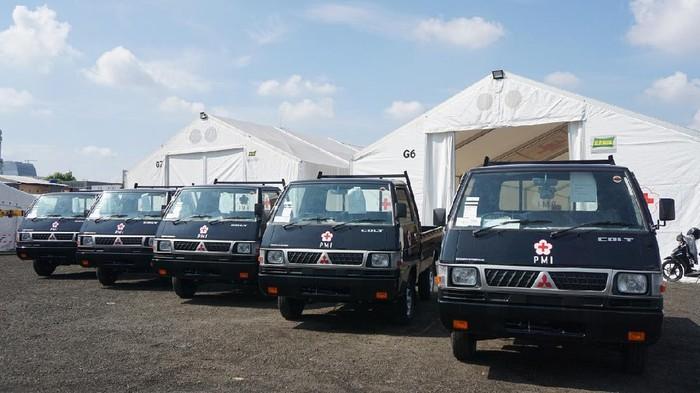 Mitsubishi sumbang pikap L300 kepada Palang Merah Indonesia