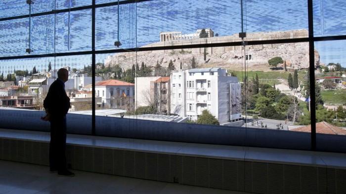 Pemilik hotel di Yunani mengalami masa sulit setelah muncul wabah virus Corona. Sekitar 65 persen hotel dinyatakan bangkrut.