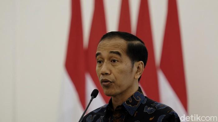 Presiden Jokowi saat memberikan pernyataan bersama dengan PM Belanda Mark Rutte.
