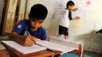 Dilema Anak Belajar di Rumah Saat Ortu Kembali Masuk Kerja