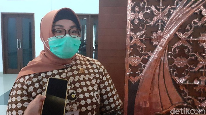 Bupati Sragen, Kusdinar Untung Yuni Sukowati, Kamis (16/4/2020).