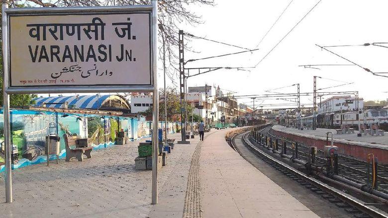 Terjebak di Stasiun Varanasi
