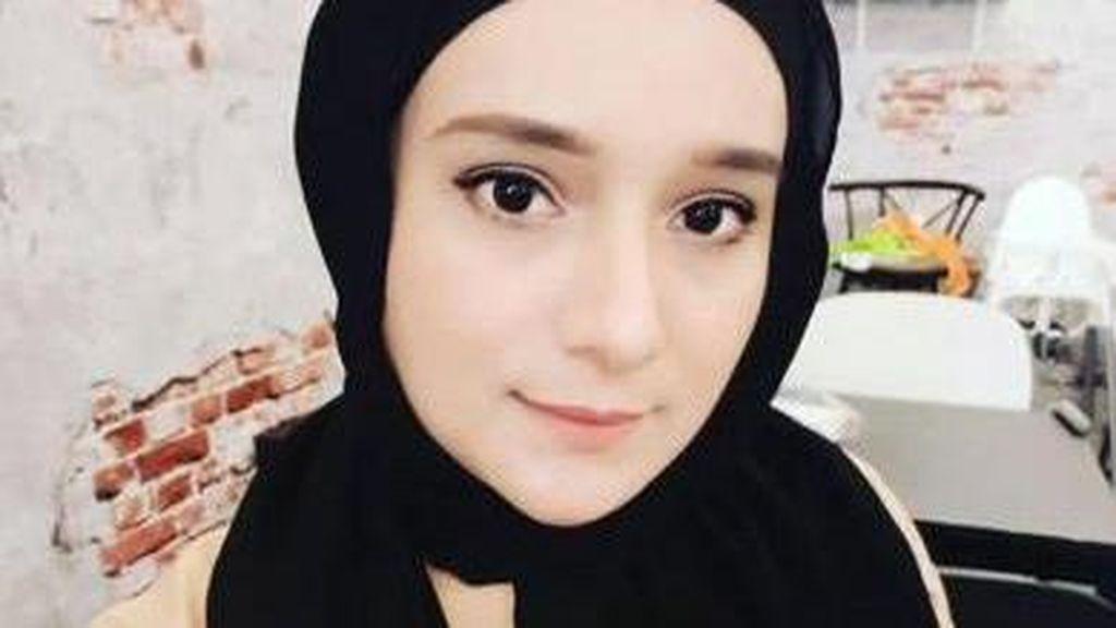 Viral di TikTok Emak-emak Cantik Anak 5, Usia Aslinya Bikin Kaget