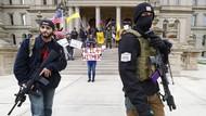 Bawa Senjata, Warga AS Protes Aturan Isolasi Rumah