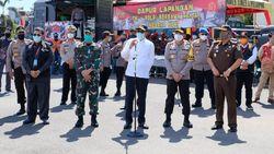Jelang PSBB Makassar, Gubernur Nurdin Cek Dapur Lapangan Brimob Polda Sulsel