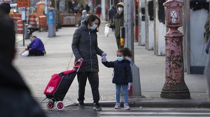 Jumlah kematian akibat virus Corona di Amerika Serikat terus bertambah drastis. Bahkan dalam waktu 24 jam terakhir, 4.491 kematian dilaporkan di negeri itu.