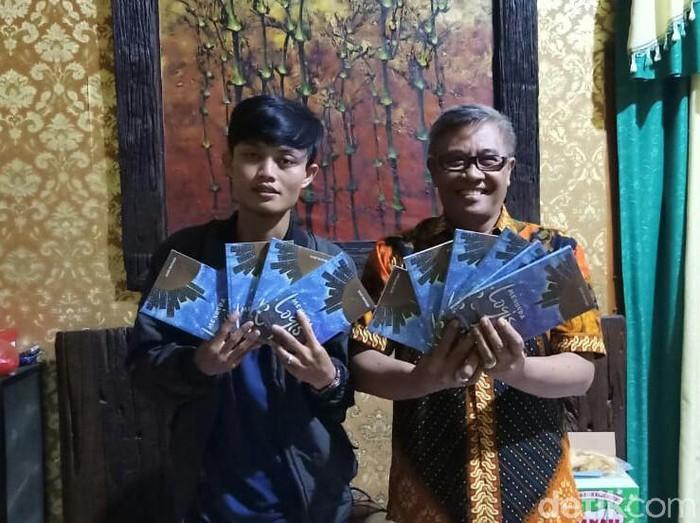 Penulis muda Situbondo menerbitkan novel keagamaan di tengah pandemi Corona. Novel berjudul Menunda Logis ini mendapat banyak apresiasi.