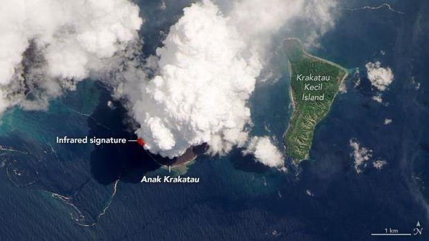 Ini penampakan Gunung Anak Krakatau pasca-meletus pada akhir pekan kemarin hasil jepretan NASA.