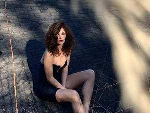 Supermodel 51 Tahun Pemotretan Seksi, Netizen Salfok karena Wajah Tak Menua