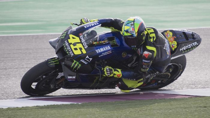 DOHA, QATAR - FEBRUARY 24:  Valentino Rossi of Italy and Monster Energy Yamaha MotoGP Team  heads down a straight  during the MotoGP Tests at Losail Circuit on February 24, 2020 in Doha, Qatar. (Photo by Mirco Lazzari gp/Getty Images)