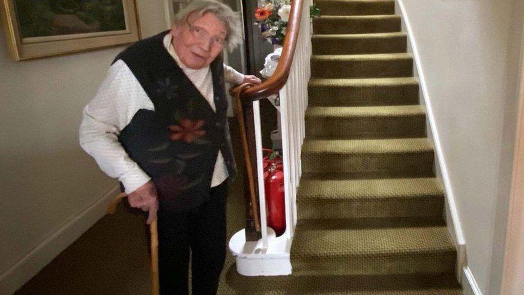 Nenek 90 Tahun Coba Daki Gunung untuk Galang Dana Penanganan Corona