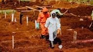 Pasutri di Bekasi Meninggal di Rumah, Dievakuasi Petugas Ber-APD