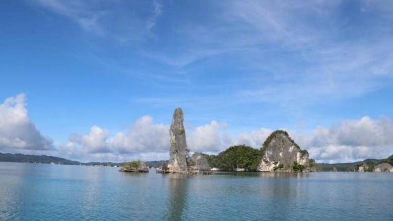 Objek wisata di Teluk Kabui, Raja Ampat.