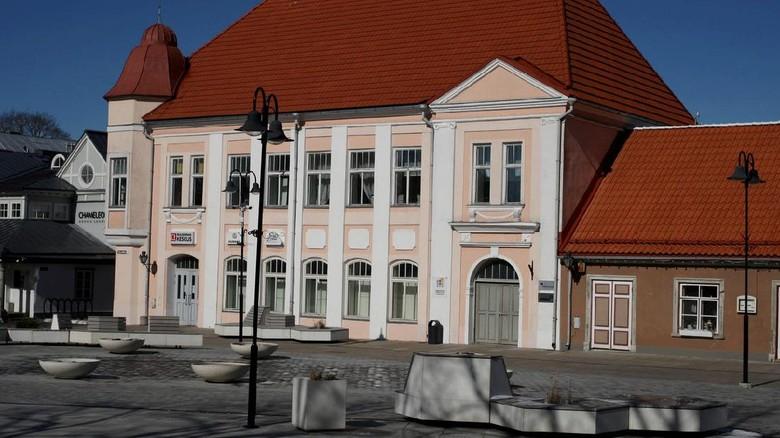 Kota Kuressaare di Pulau Saaremaa.