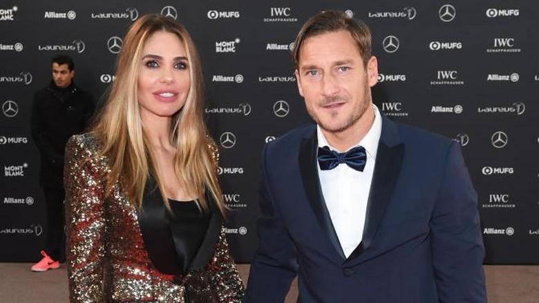 MONACO - FEBRUARY 27:  Francesco Totti and Ilary Blasi attends the 2018 Laureus World Sports Awards at Salle des Etoiles, Sporting Monte-Carlo on February 27, 2018 in Monaco, Monaco.  (Photo by Stuart C. Wilson/Getty Images for Laureus)