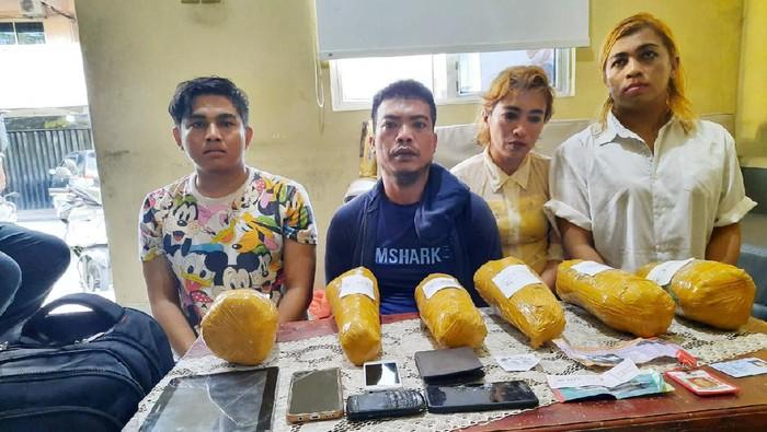 4 Kurir ganja ditangkap di Batam.