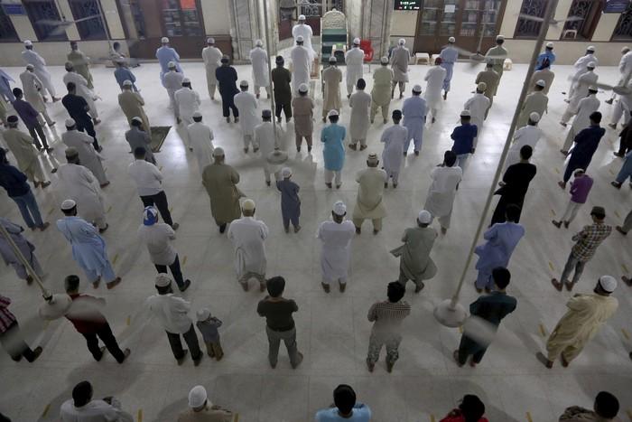 Pemerintah Pakistan mengambil langkah untuk mengizinkan warganya shalat berjamaah pada bulan suci ramadhan nanti namun dengan sejumlah catatan, apa saja?