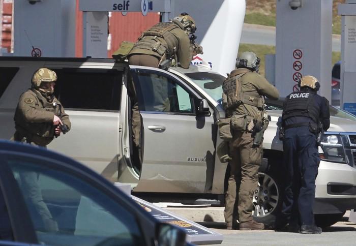 Seorang pria melakukan penembakan di sebuah pedesaan di Nova Scotia, Kanada pada Sabtu (18/4) malam.16 Orang tewas dalm insiden tersebut.
