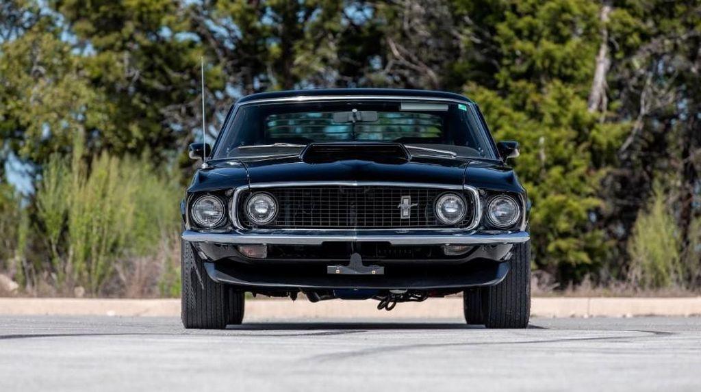 Potret Ford Mustang Jumbo Milik Mendiang Paul Walker yang Dilelang