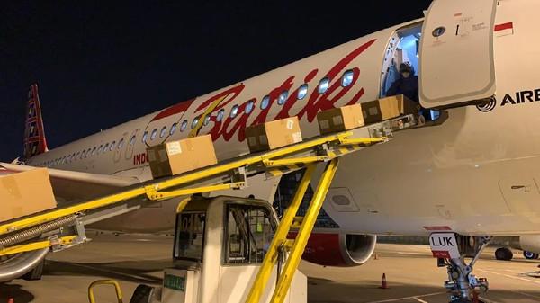 Pesawat Batik Air dengan nomor penerbangan ID-8622 berhasil terbang dari Bandara Internasional Xiaoshan Hangzhou di provinsi Zhejiang, China menuju ke Bandara Internasional Soekarno-Hatta, Tangerang, Banten.