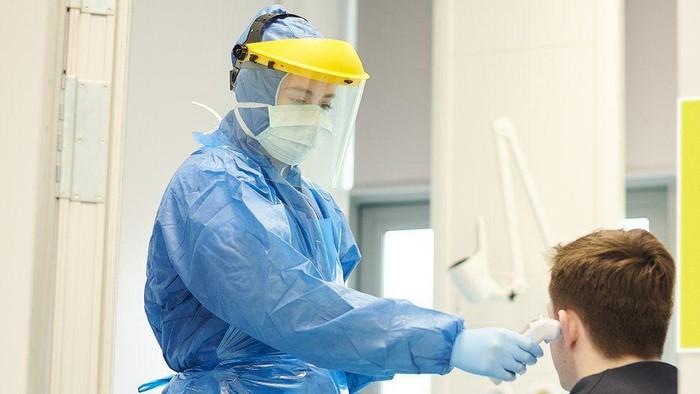 Virus corona: Angka kematian lampaui 16.000, pemerintah Inggris masih tunggu pengiriman APD dari Turki