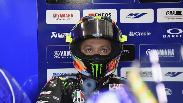 VALENCIA, SPAIN - NOVEMBER 19: Valentino Rossi of Italy and Yamaha Factory Racing  looks on in box during the pre-season MotoGP Tests in Valencia at Ricardo Tormo Circuit on November 19, 2019 in Valencia, Spain. (Photo by Mirco Lazzari gp/Getty Images)
