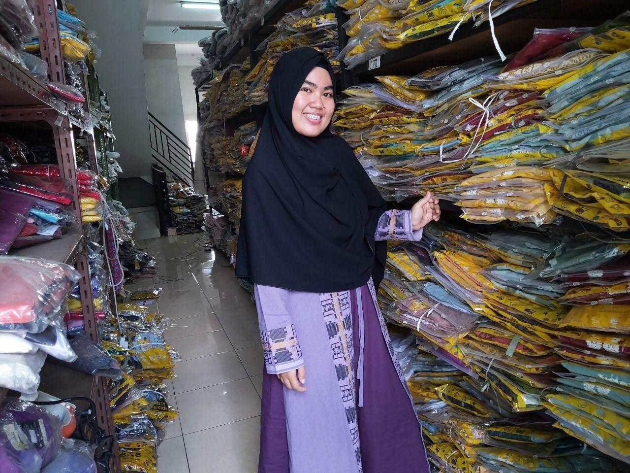 Qonita Azzahra, Pemilik Qonita Project Medan.