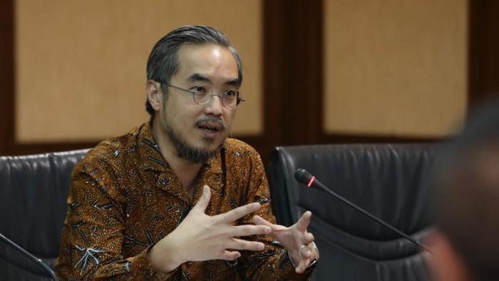 Direktur Utama Smesco Indonesia Leonard Theosabrata