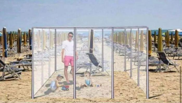 Kotak Kaca Physical Distancing di Pantai