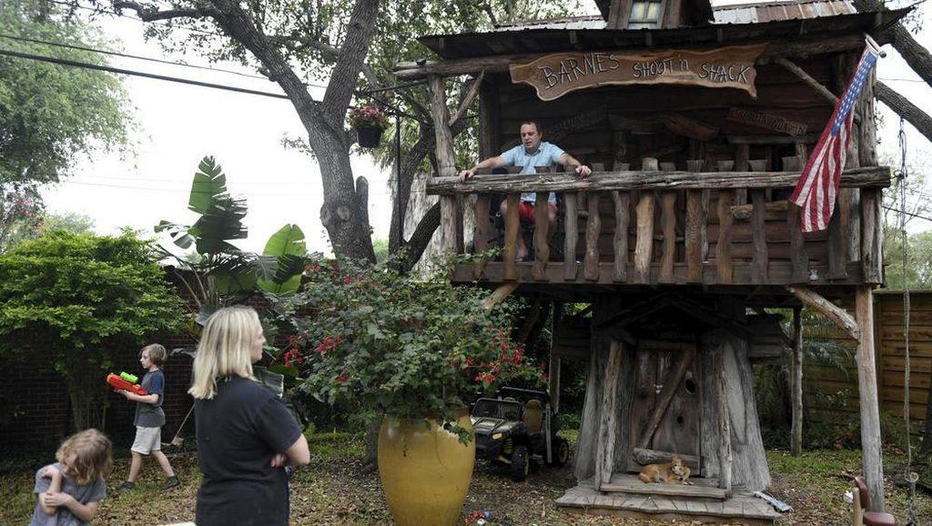Kisah Dokter Terpaksa Tinggal di Rumah Pohon karena Takut Tularkan Corona
