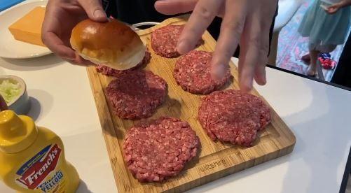 cara membuat cheeseburger