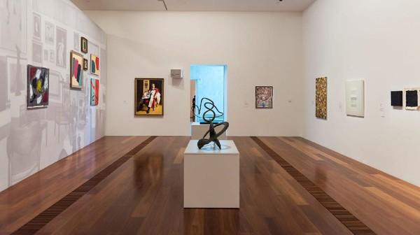 Galeri tertua di Melbourne yaitu National Gallery of Victoria (NGV) baru saja meluncurkan program tur virtual, NGV Channel. Traveler bisa menikmati karya KAWS, Keith Haring hingga Jean-Michel Basquiat yang keren.