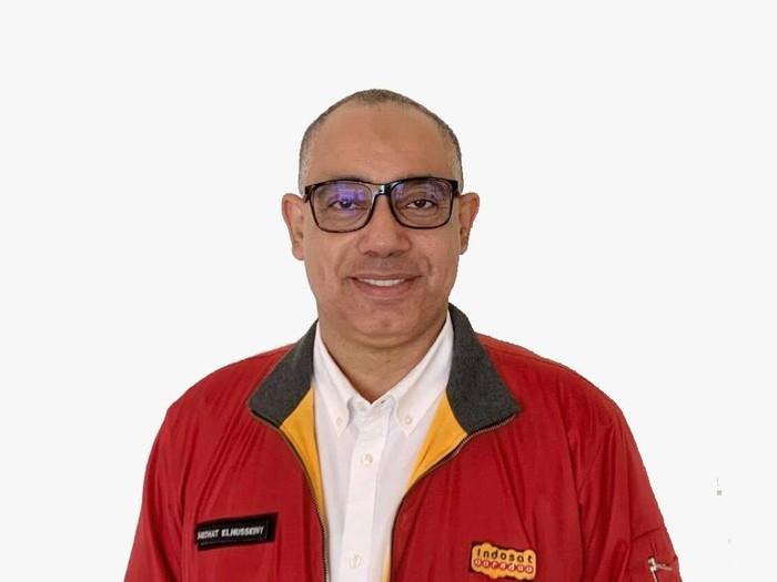 Indosat Ooredoo merombak pimpinan perusahaan dengan menunjuk Medhat Elhusseiny sebagai Chief Technology and Information Officer menggantikan Dejan Kastelic yang efektif per 1 Mei 2020 menunggu proses penyelesaian izin kerja.