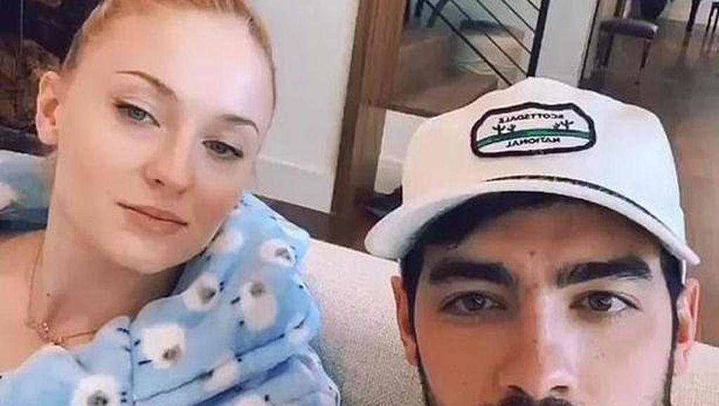 Joe Jonas dan Sophie Turner Donasikan 100 Makanan untuk Dokter dan Perawat
