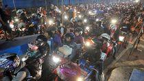 Jurus Polisi Cegat Masyarakat yang Nekat Mudik